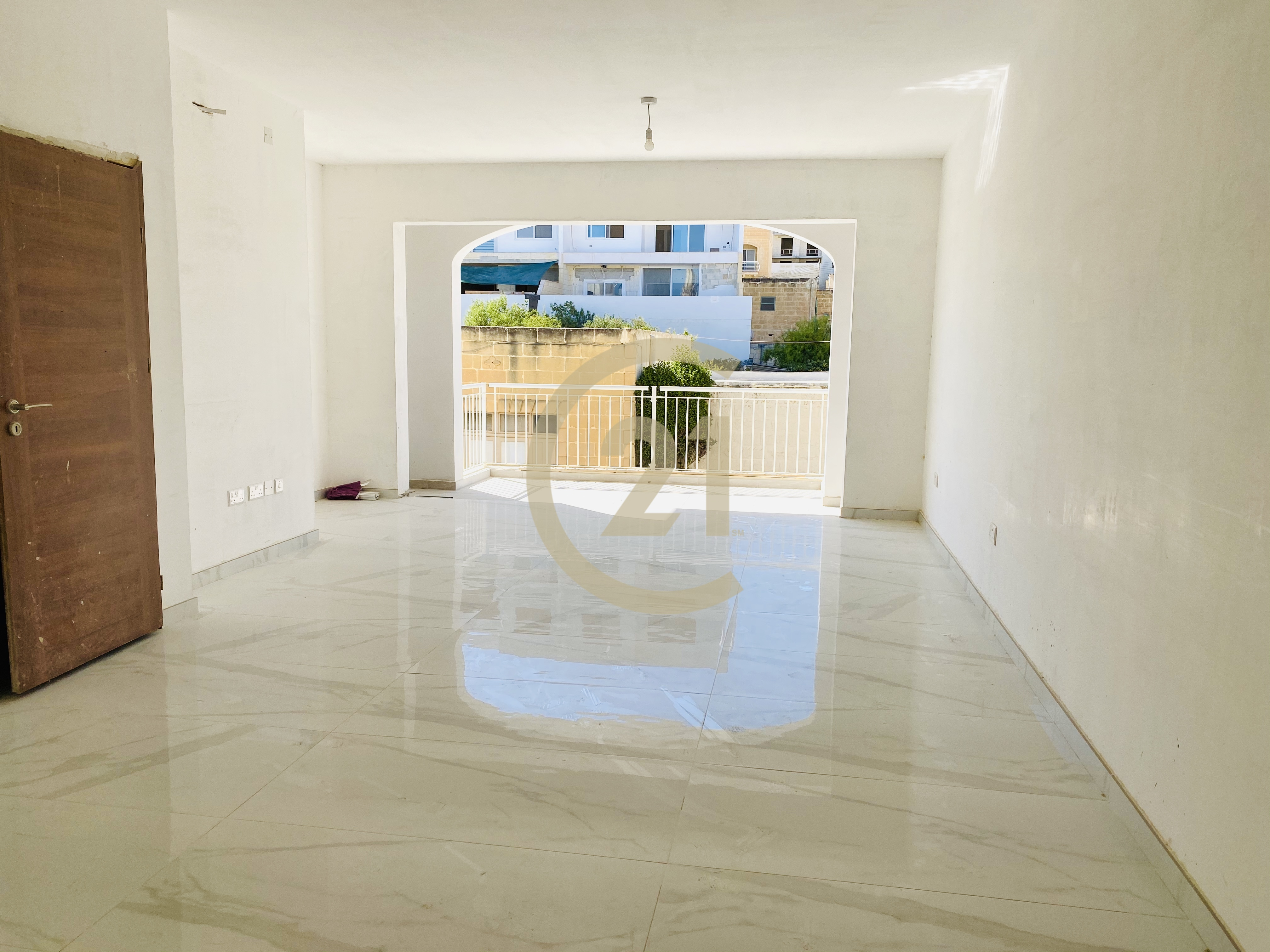Finished Three Bedroom Apartment For Sale in Ghajnsielem